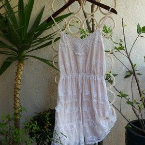 Pinky, pretty lace little dress